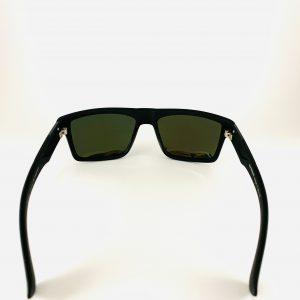 Svarta solbrillor med svart glas