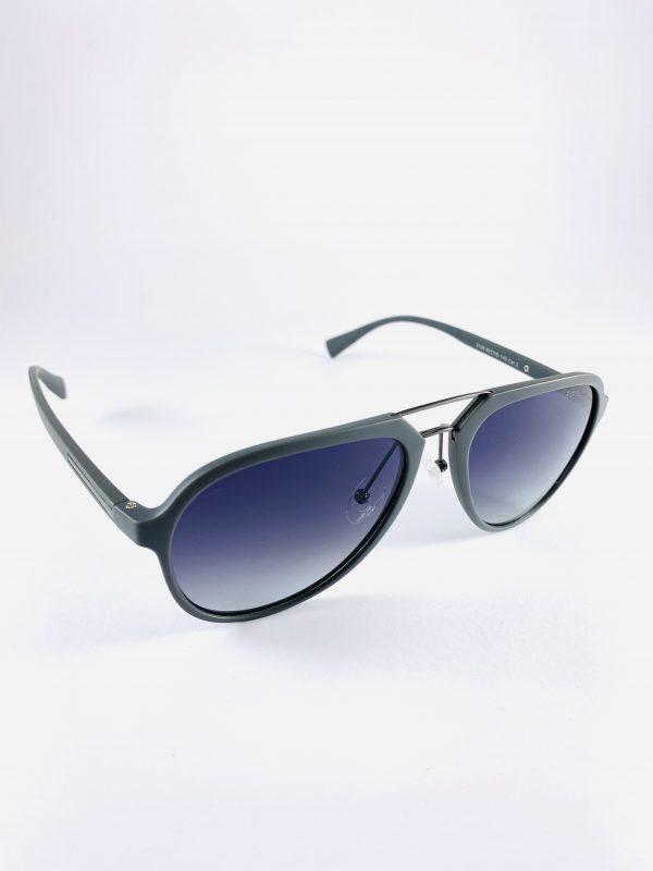Solglasögon med stiliga pilotbågar i grått och mörkt glas